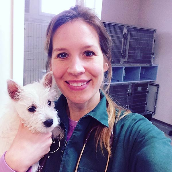 Image of The Incredible Dr. Pol cast Dr. Emily Thomas