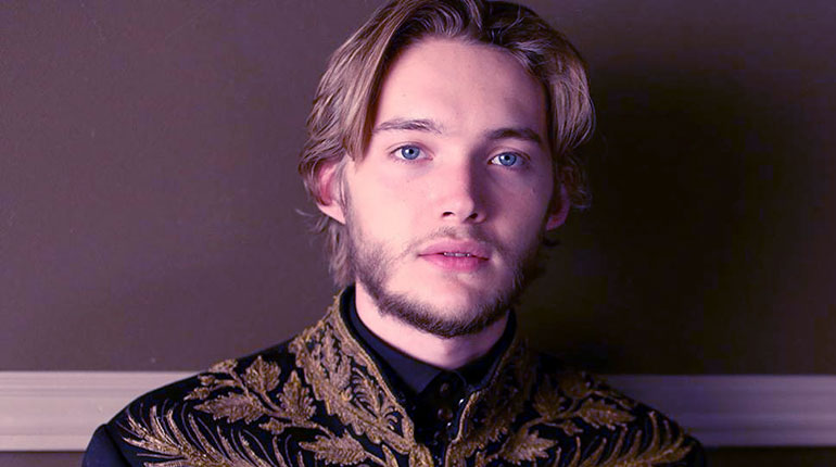 Image of Who is Toby Regbo's Girlfriend now