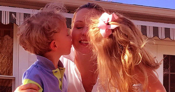 Image of Sandra Smith with her kids Cora Bella and John
